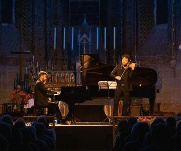 Pierre FOUCHENNERET (violon), Théo FOUCHENNERET (piano)